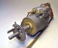 Robertshaw 2200S thermostat.jpg (5420 bytes)